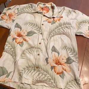 Tommy Bahama Hawaiian Medium button down shirt